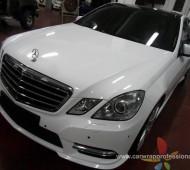 Benz E Class จากสีดำ Full Wrap สีขาวเงา ตามความเชื่อฮวงจุ้ย
